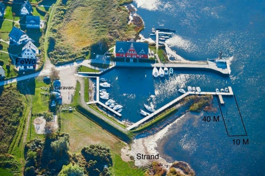Steganlage Liegeplatz Insel Rügen Vieregge Ostsee Hafen Hauboote Segelboote