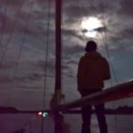 Segelschiff Big Betty Sailing Life an Deck bei Nacht