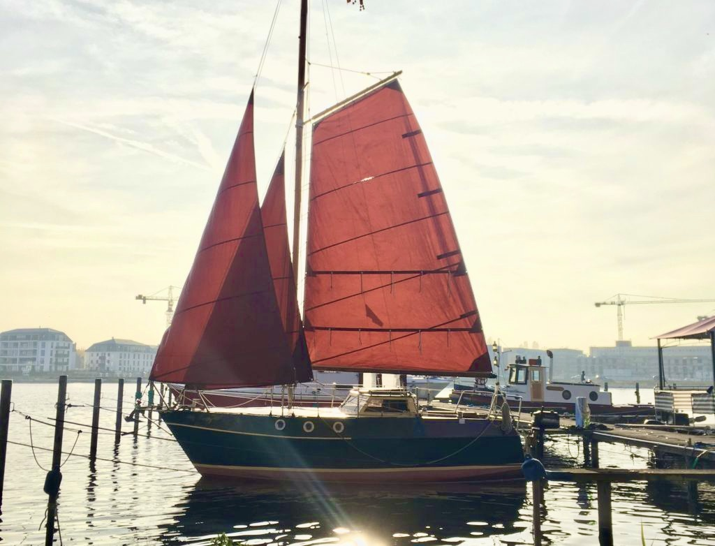 Big Betty Sailing Gaffel Segelboot Life Mario